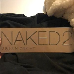 Naked 2 urban decay palette.